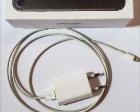 Iphone 7 de 128 Gb Negro con protector original
