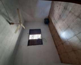 Habitación para vivienda o deposito en Villa Morra