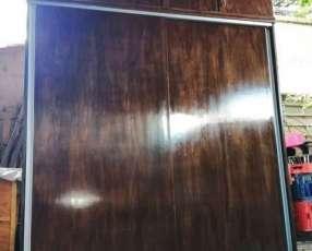 Placard puertas corredizas con valijera