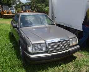 Mercedes benz 300d turbo. automático. diésel