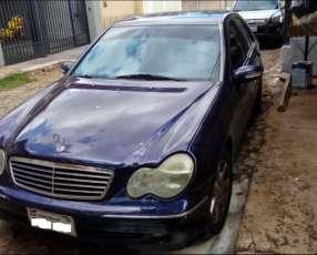 Mercedes Benz C220 CDI 2000 diésel mecánico