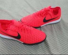 Todoterreno Nike magistax