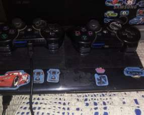 Playstation 3 con 2 controles, 12 juegos