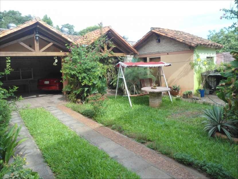 Casa de 2 plantas a 300 metros de ruta 2 km 14 San Lorenzo - 1
