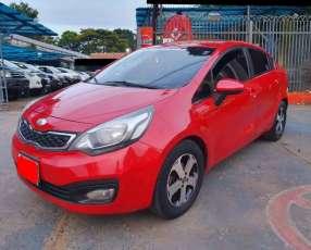Kia Rio 2013 motor 1400 naftero automático