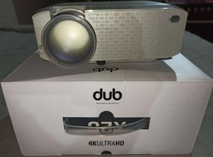 Proyector DUB - 3