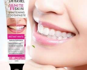 Pasta blanqueadora de dientes