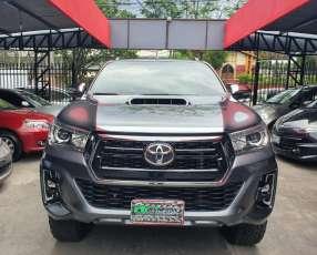 Toyota hilux 2016/7 frente 2019 toyotoshi 96.000km motor 3.0 turbo diésel