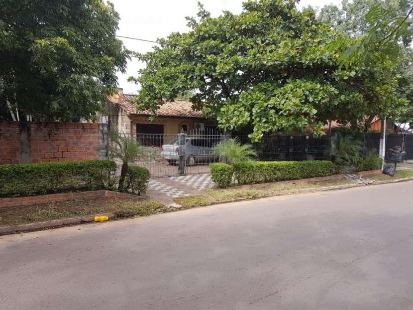 Casa de 1440 m2 sobre avenida asfaltada Limpio - 0