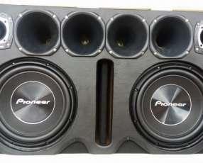 Caja de sonido doble Pioneer 1500w con cornetera