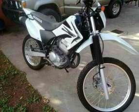 Moto Honda tornado 250
