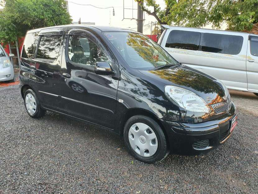 Toyota funcargo 2003 - 7