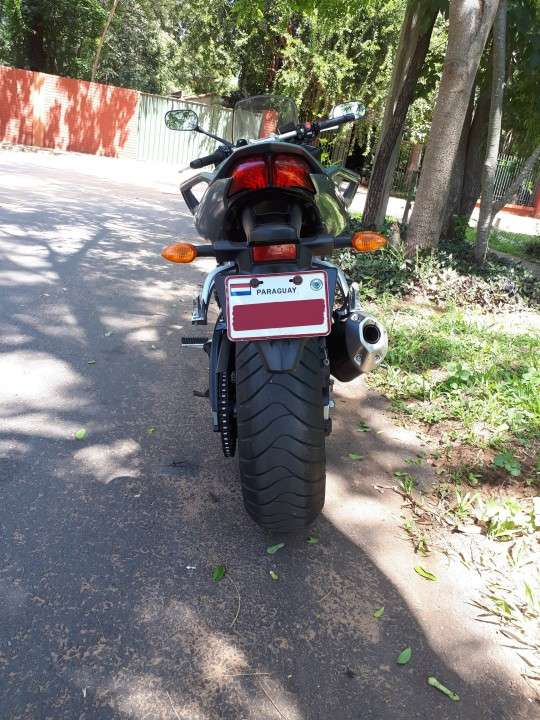 Moto Yamaha FZ1 Fazer 2006 - 1