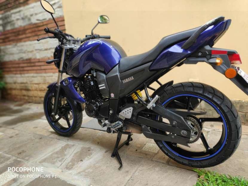 Moto Yamaha FZ16 - 1