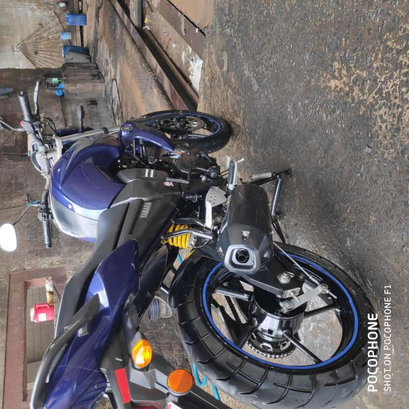 Moto Yamaha FZ16 - 6