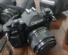 Camara Canon A-1 profesional de poco uso kit completo