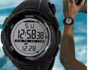 Reloj táctico Skmei natación mergujar