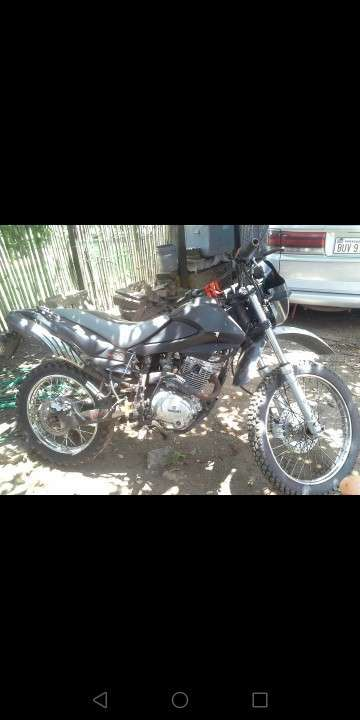 Moto Yamazuky 200 cc - 1