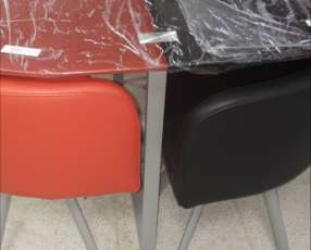 Mesa cuadrada (4 sillas)