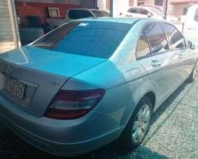 Mercedes Benz C200 2011
