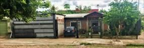 Casa en Fdo. de la Mora Sur, en esquina