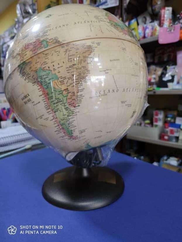 globo terráqueo con luz - 1