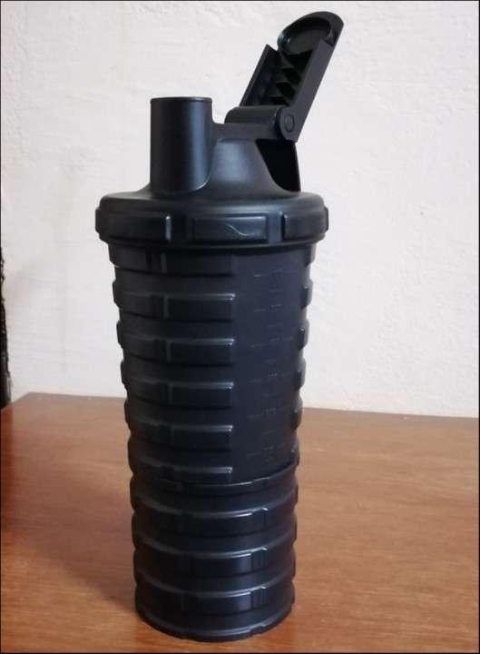 Shaker para proteinas Grenade - 6
