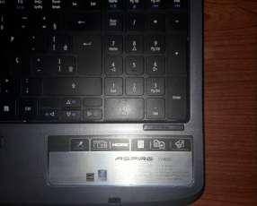 Notebook acer 5740G con Windows 10 en buen estado