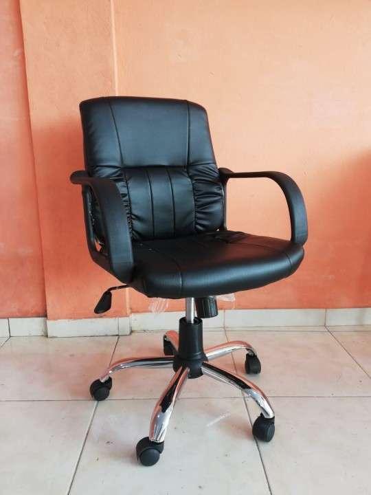 Silla secretaria patas cromadas A666S - 1