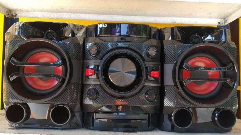Equipo de sonido LG de 2600 watts - 0