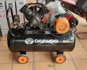 Compresor Daewoo de 100 litros con correa