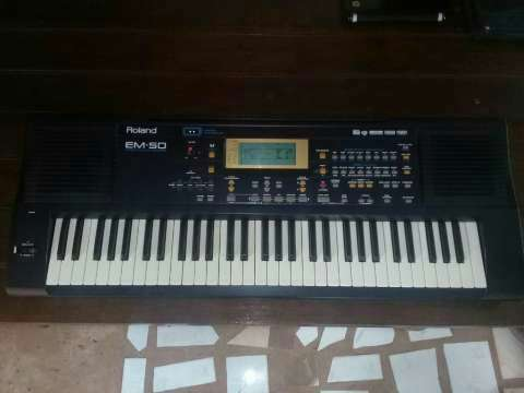 Teclado Roland EM-50 - 1