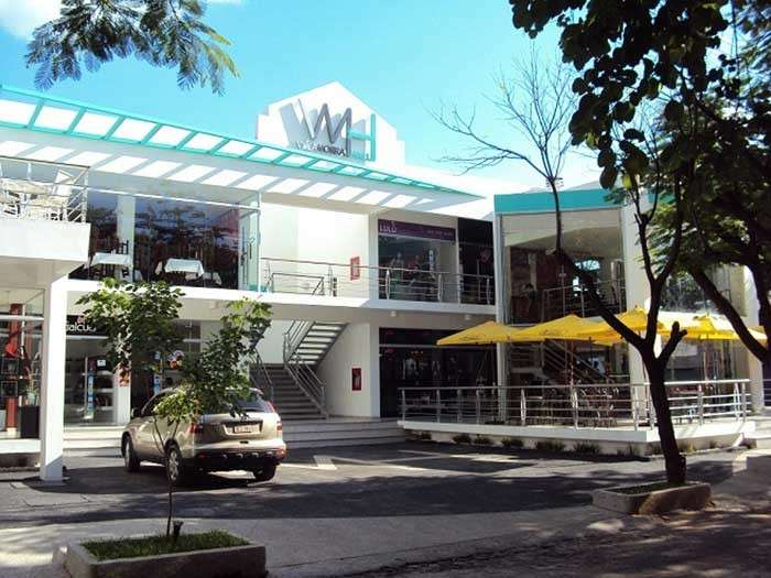 Locales en Villa Morra frente al centro ferial del Shopping - 0