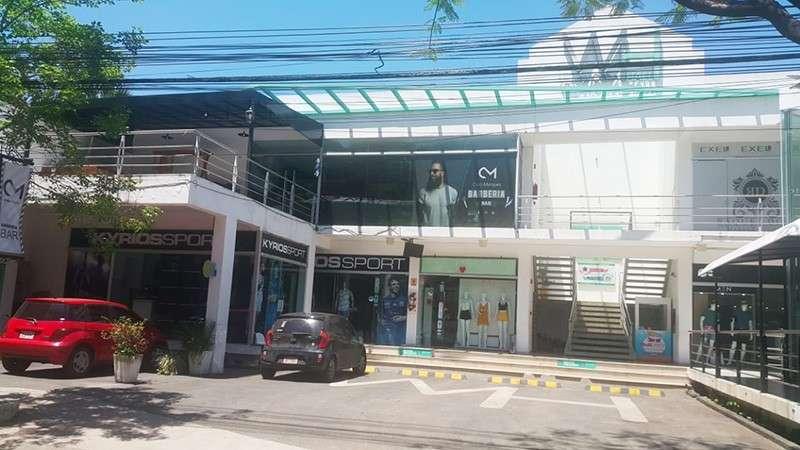 Locales en Villa Morra frente al centro ferial del Shopping - 1