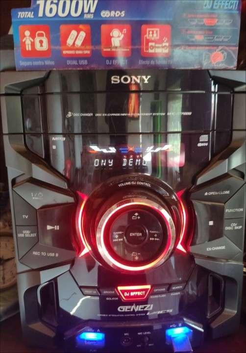 Equipo de sonido Sony Genezy - 0