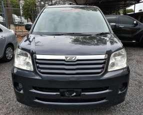 Toyota noah 2002