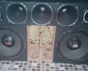 Caja 1600w Con Doble Amplificador BBUSTER