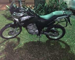 Moto Yamaha teneree 250cc