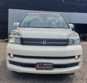 Toyota noah voxy 2005