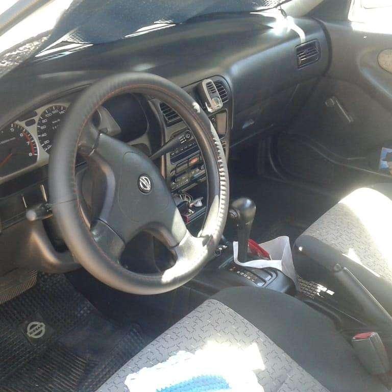 Nissan Sentra 2009 automático - 3