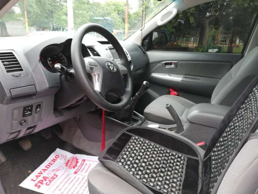 Toyota Hilux 2013 diésel mecánico 4x4 - 4