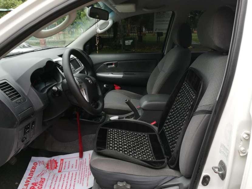 Toyota Hilux 2013 diésel mecánico 4x4 - 5