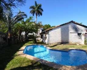 Casa en barrio Santa Librada Campus UCA de Asunción