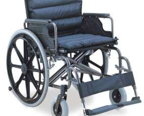 Silla de ruedas reforzada para obesos en Paraguay