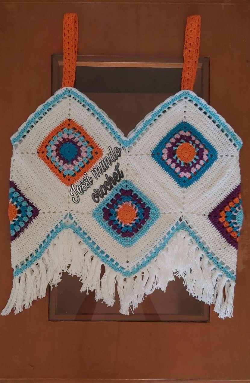 Crop top y blusita de crochet - 1