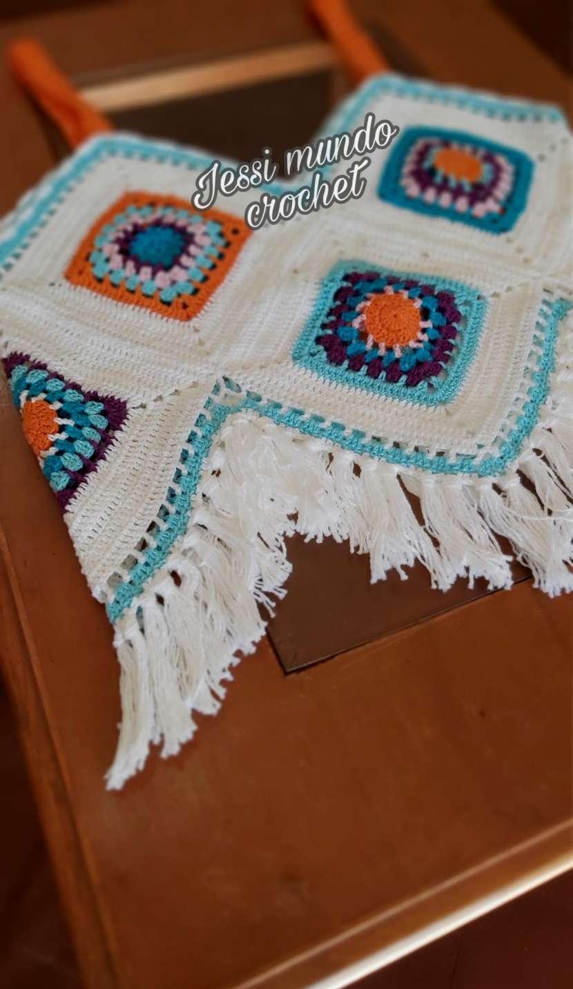 Crop top y blusita de crochet - 3