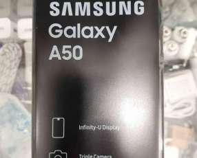 Samsung Galaxy A50 de 64 gb disponible en colores