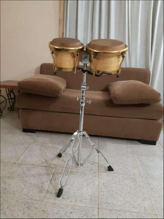 Bongo con pedestal - 0