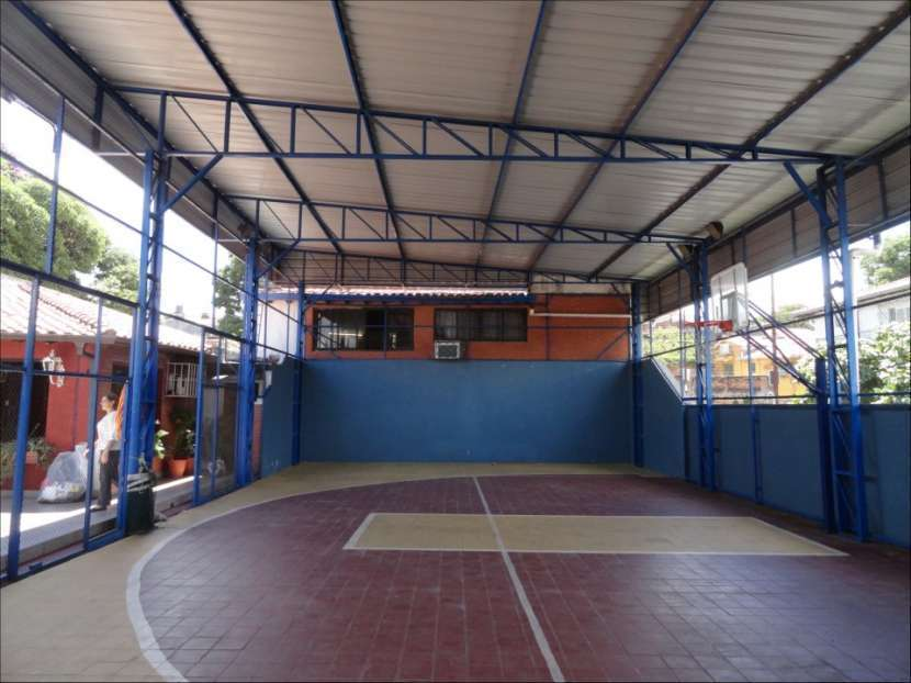 Casa en barrio Obrero - 4