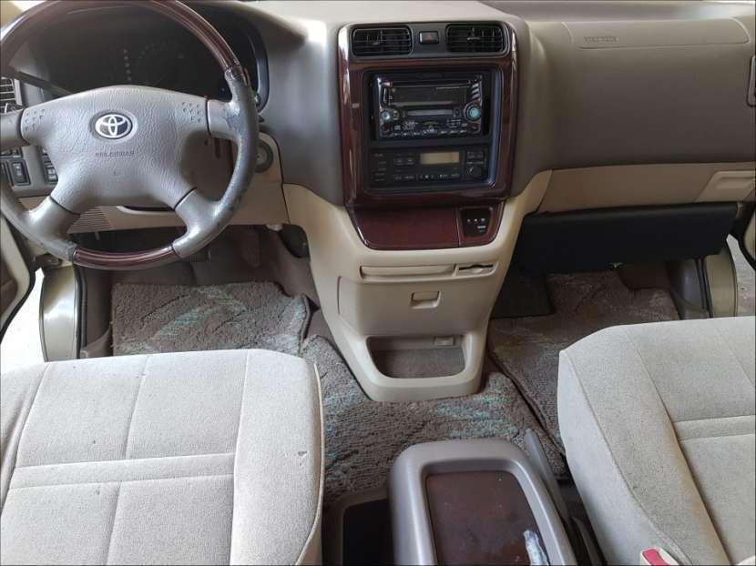 Toyota Grand Hiace 2000 turbo diésel automático - 8